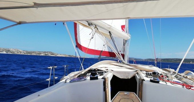 Rental Sailboat in Ajaccio - Bénéteau Oceanis 43