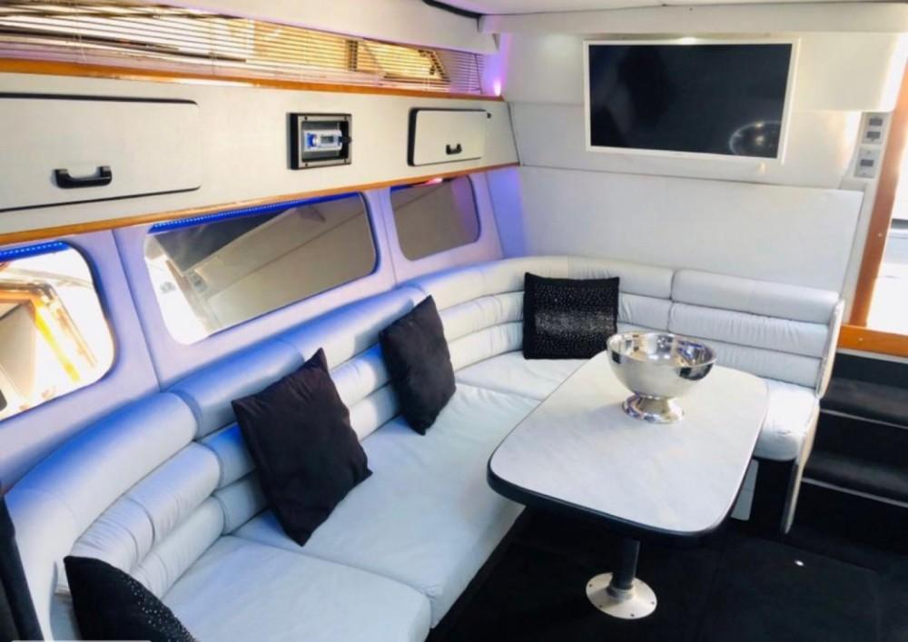 Rental yacht  - Sea Ray Sea Ray 350 Sundancer on SamBoat