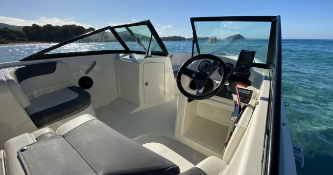 Bayliner Element E7 between personal and professional La Londe-les-Maures