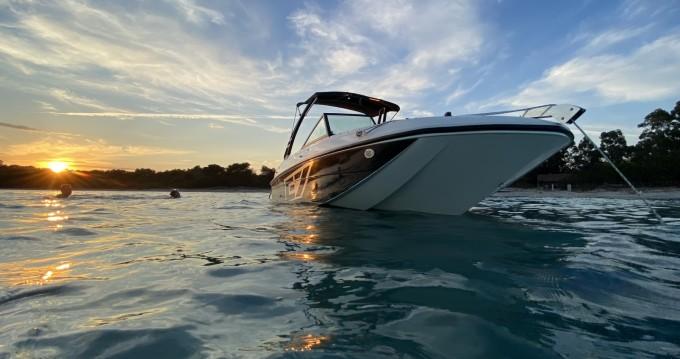 Rental Motorboat in La Londe-les-Maures - Bayliner Element E7