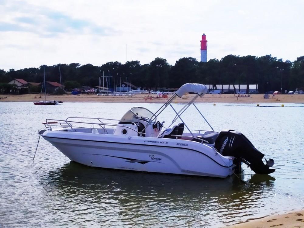 Boat rental Ranieri Voyager 21 S in Arcachon on Samboat