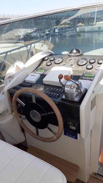 Rental yacht Torre del Greco - Itama Itama 48 on SamBoat