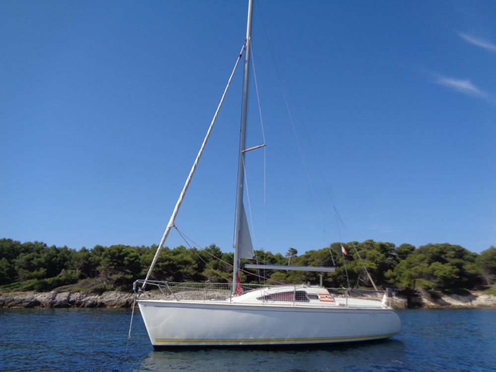 Boat rental Jeanneau Sun Way 25 in Vallauris on Samboat
