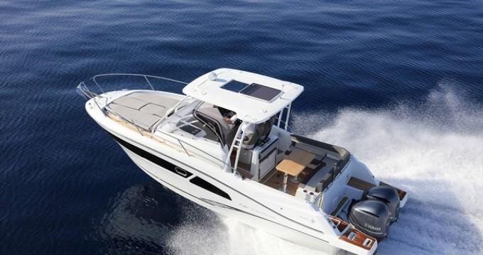 Rental Motorboat in La Trinité-sur-Mer - Jeanneau Cap Camarat 9.0 WA