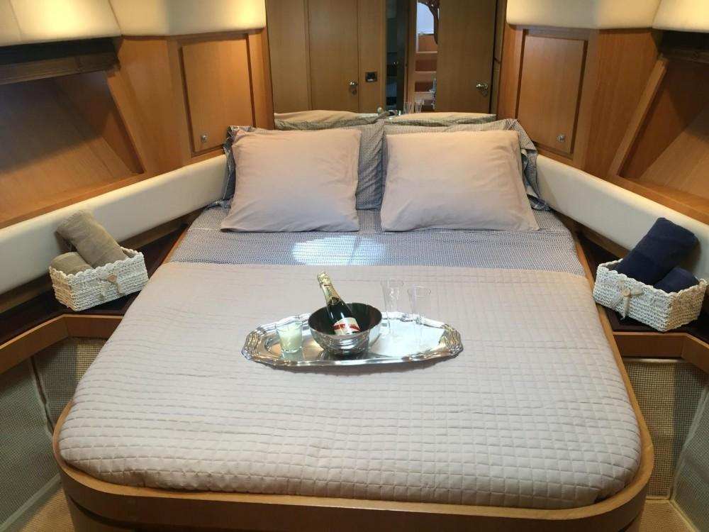 Rental Motorboat in Cannes - Rizzardi 45