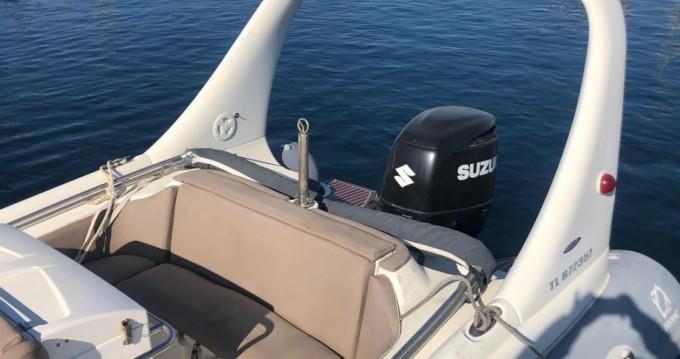 Boat rental Zodiac Medline 3 in Marseille on Samboat