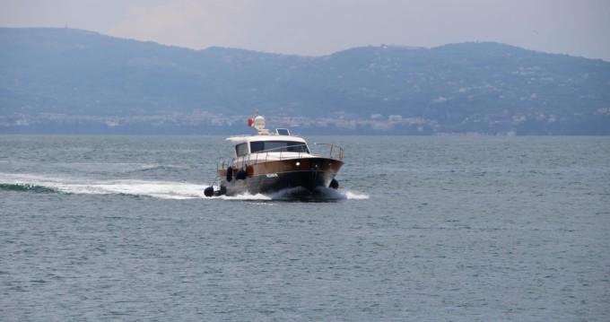 Boat rental cantieri di donna serapo 42 in Torre del Greco on Samboat