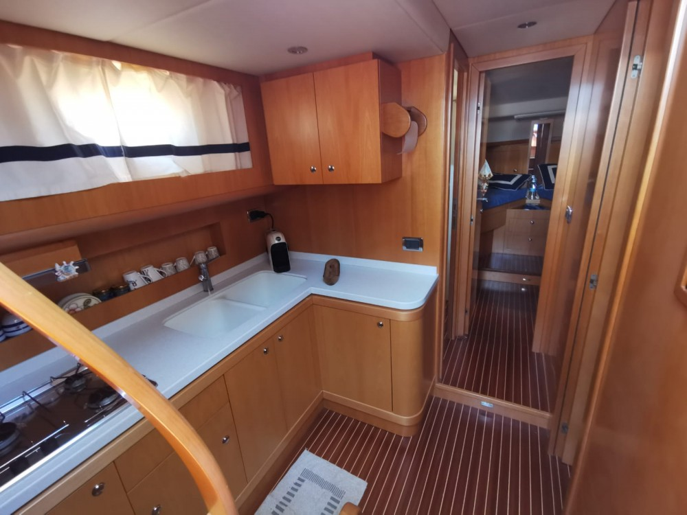Hire Motorboat with or without skipper cantieri di donna Torre del Greco