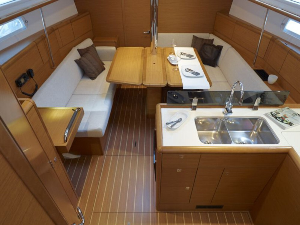 Jeanneau Sun Odyssey 389 between personal and professional Nieuwpoort