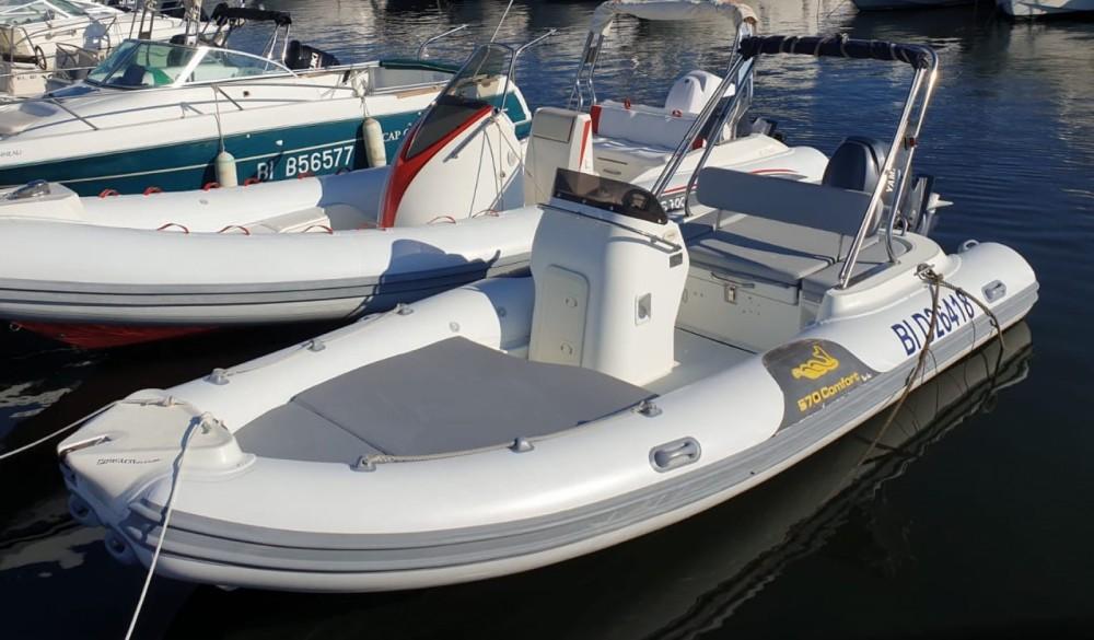 Rent a Motonautica Vesuviana MV 570 Comfort Saint-Florent
