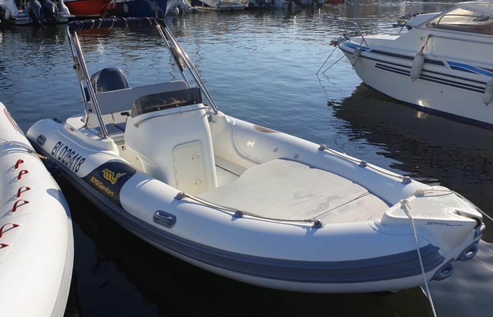 Boat rental Motonautica Vesuviana MV 570 Comfort in Saint-Florent on Samboat