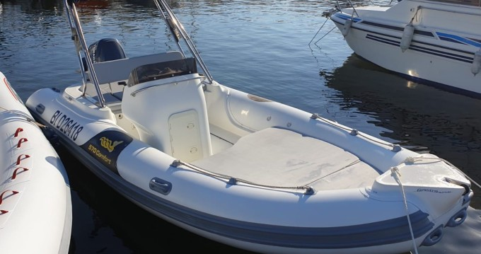 Rental RIB in Saint-Florent - Motonautica-Vesuviana MV 570 Comfort
