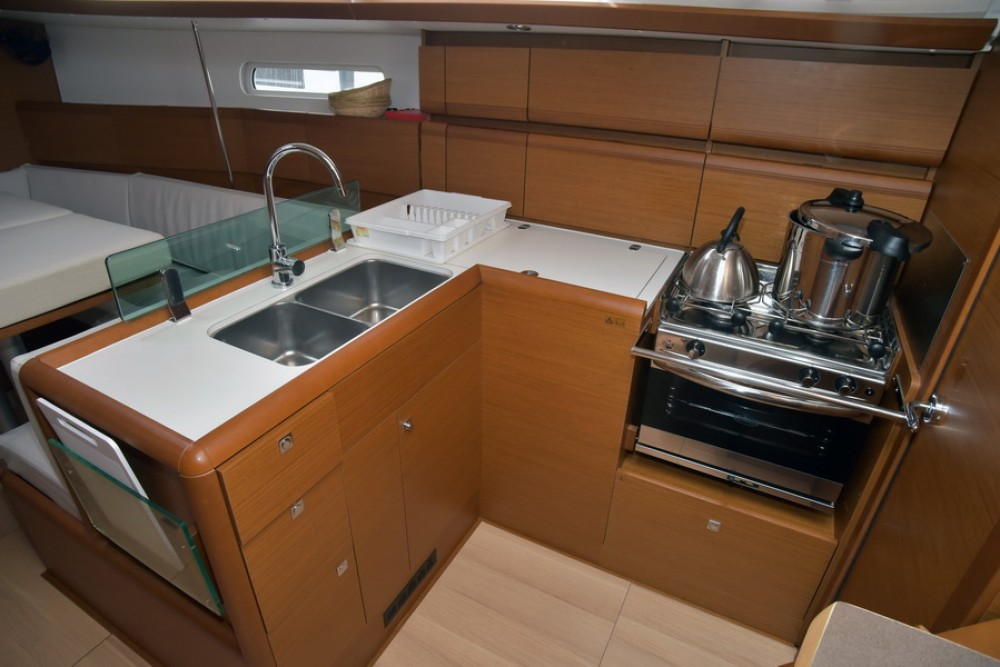Boat rental Jeanneau Sun Odyssey 389 in Grad Pula on Samboat