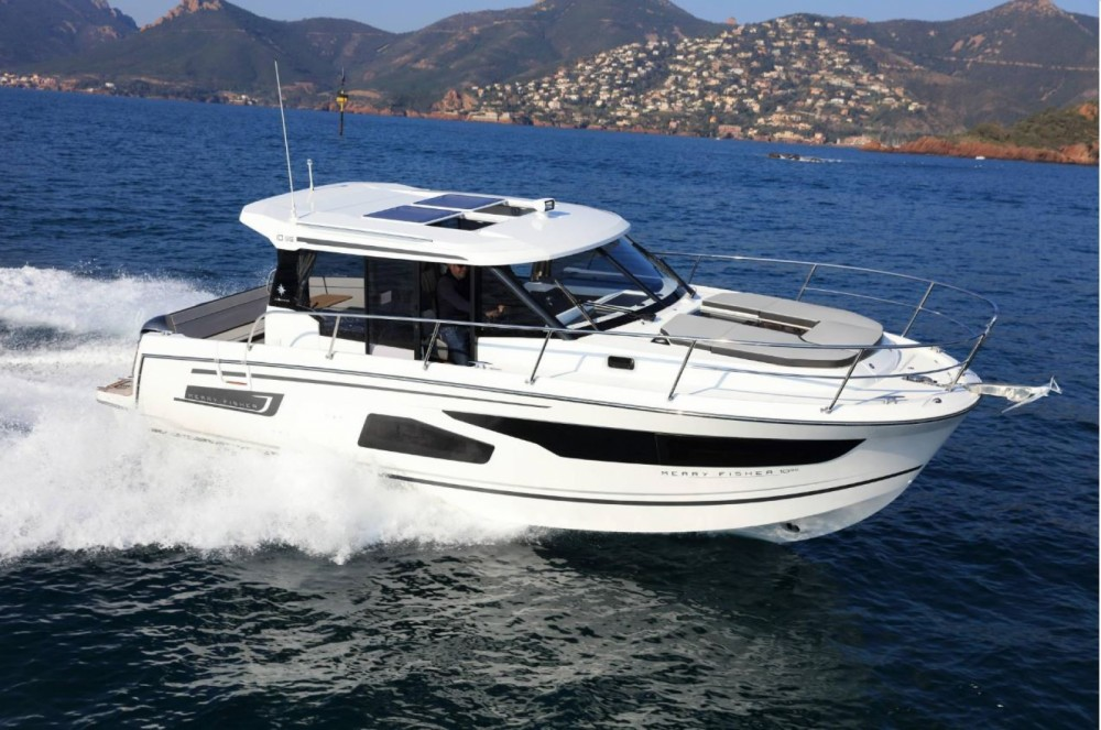 Motorboat for rent La Trinité-sur-Mer at the best price
