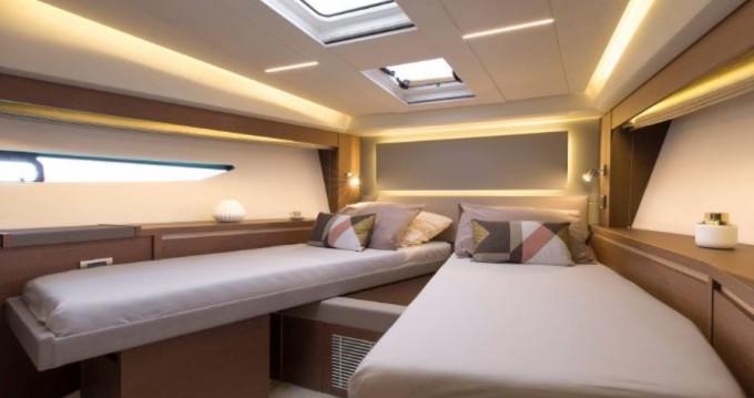 Rental Motorboat in La Trinité-sur-Mer - Prestige Prestige 520 Fly