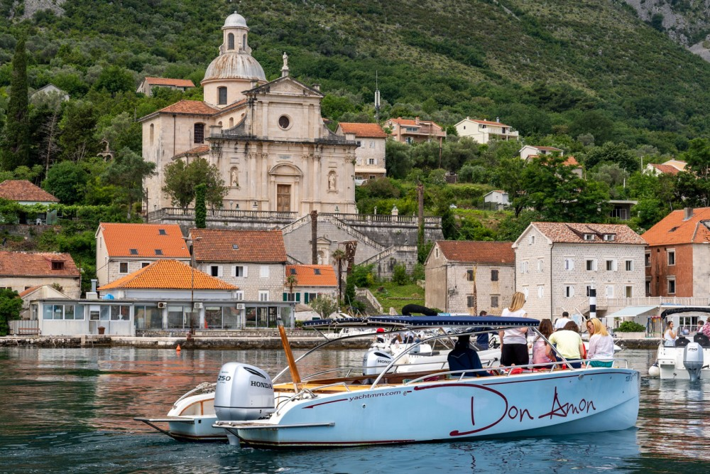 Hire Motorboat with or without skipper handmade Kotor