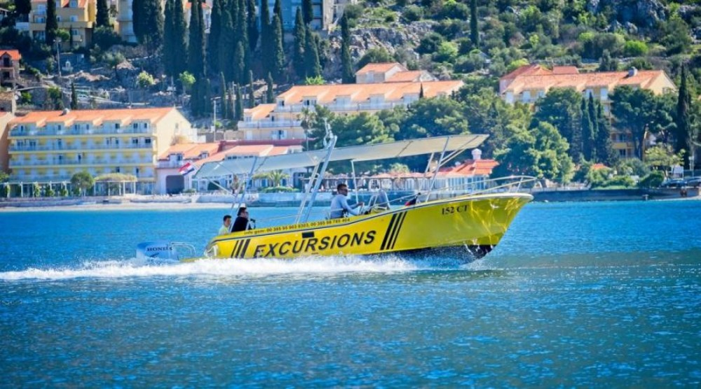 Motorboat for rent Cavtat at the best price