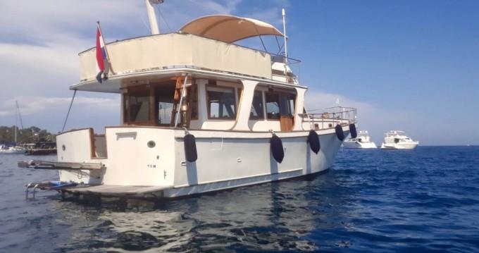 Boat rental Blue Ocean Blue Ocean 45 in Cannes on Samboat