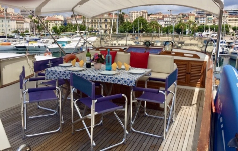 Blue Ocean Blue Ocean 45 between personal and professional Cannes