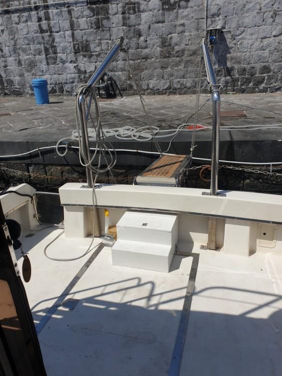 Boat rental Chris Craft Catalina 33 in Torre del Greco on Samboat