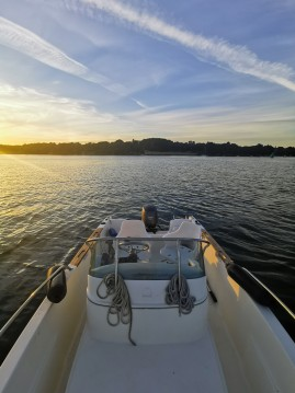 Hire Motorboat with or without skipper Jeanneau Séné