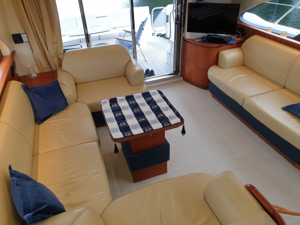 Boat rental  cheap Azimut 50