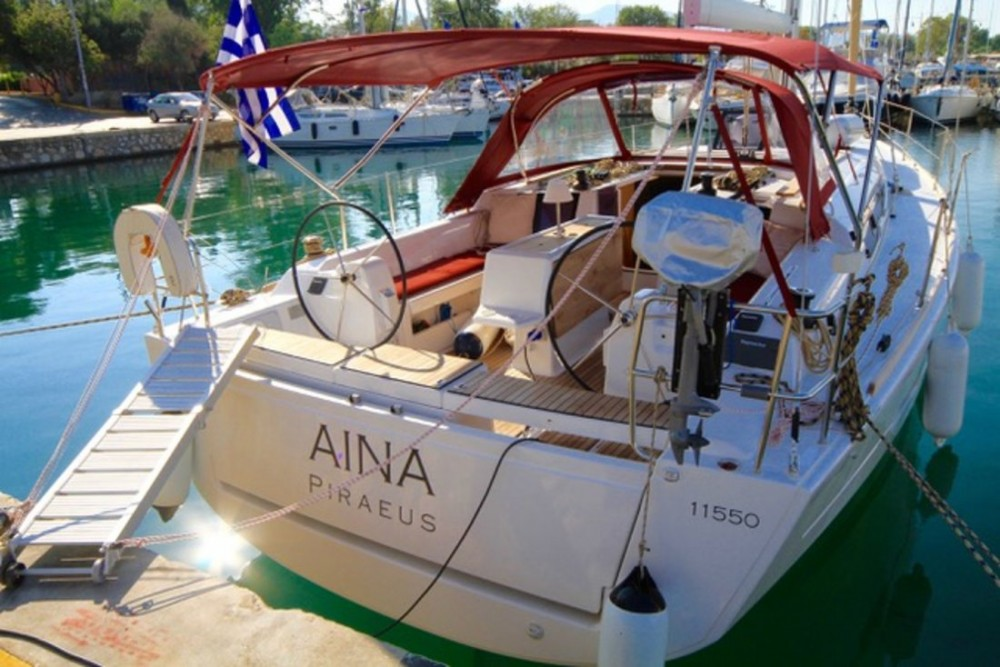 Boat rental Dufour Dufour 412 GL in Peloponnese on Samboat