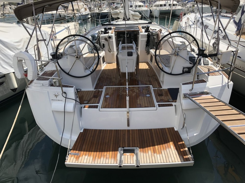 Jeanneau Sun Odyssey 519 - 5 + 1 cab. between personal and professional Peloponnese