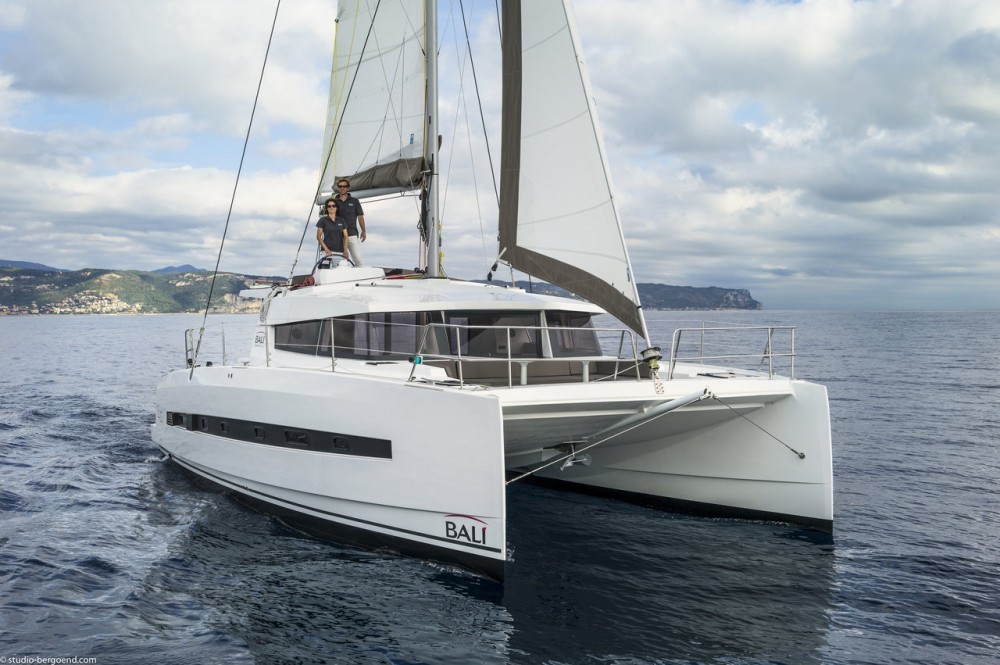 Catana Bali 4.0 - 4 + 2 cab. between personal and professional Arona