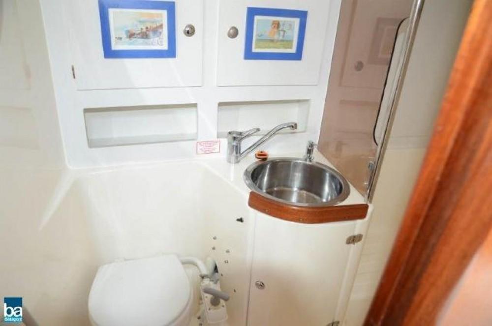 Boat rental Sweden cheap Bavaria 47