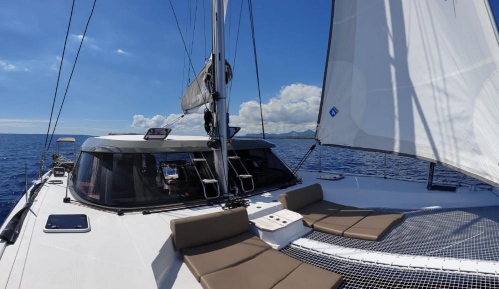 Boat rental Nautitech Rochefort Nautitech 40 Open - 4 cab. in Mauritius on Samboat