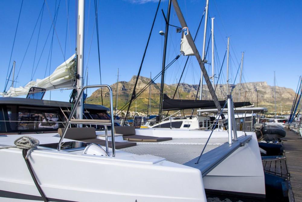 Rental yacht Mauritius - Nautitech Rochefort Nautitech 40 Open - 4 cab. on SamBoat