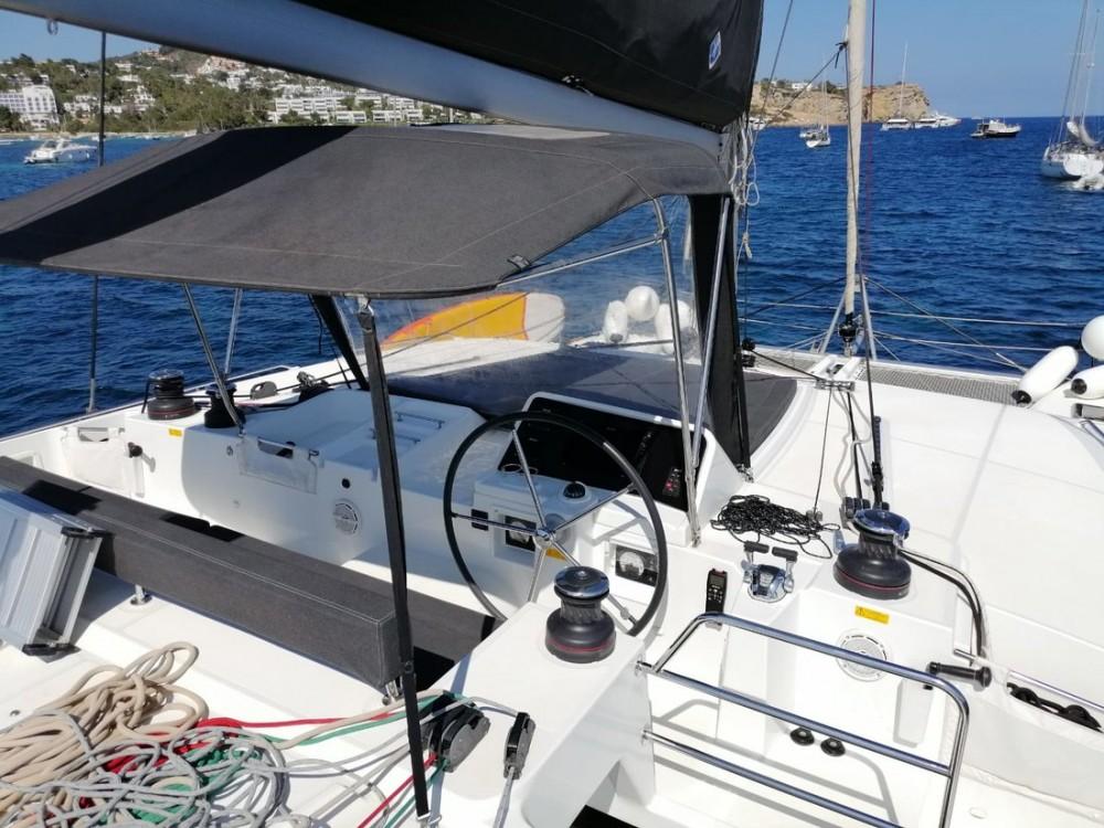 Rental yacht Balearic Islands - Lagoon Lagoon 450 F - 4 + 1 cab. on SamBoat