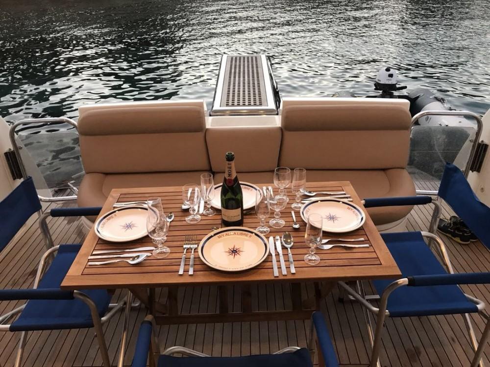 Rent a Azimut-Benetti-Yachts Azimut 46 Fly Ionian Islands