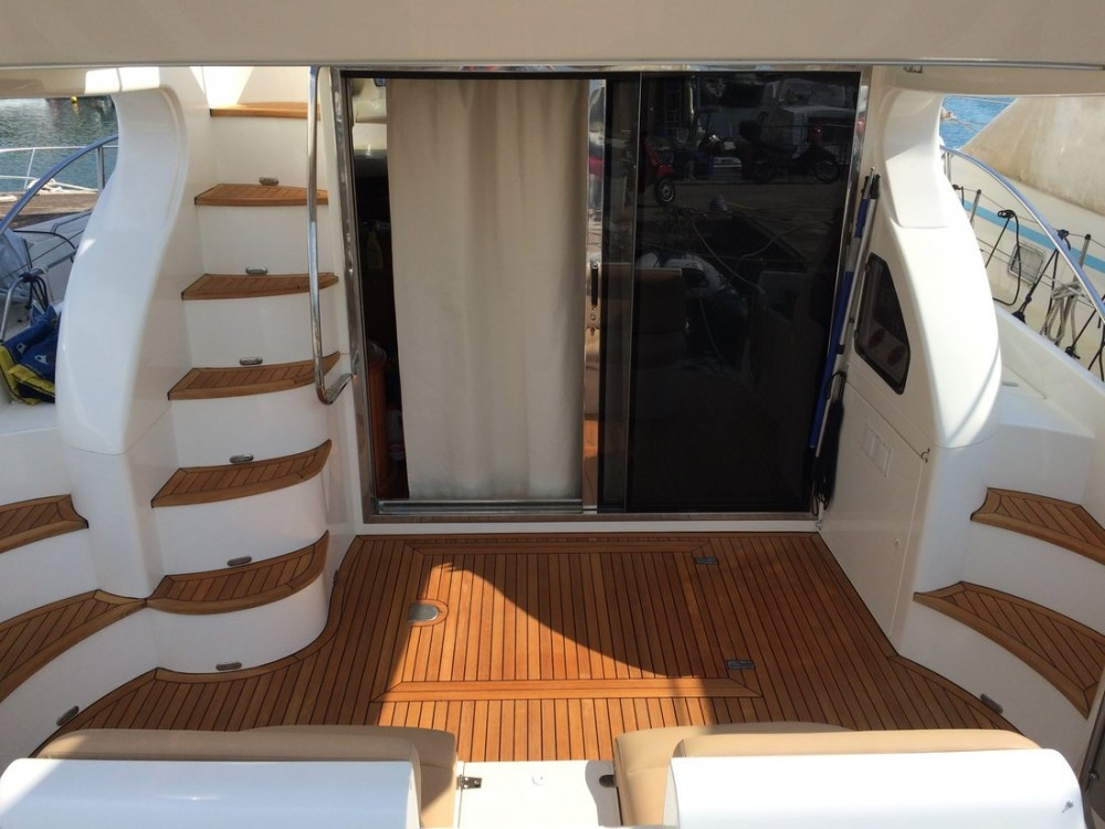 Hire Motorboat with or without skipper Azimut-Benetti-Yachts Ionian Islands