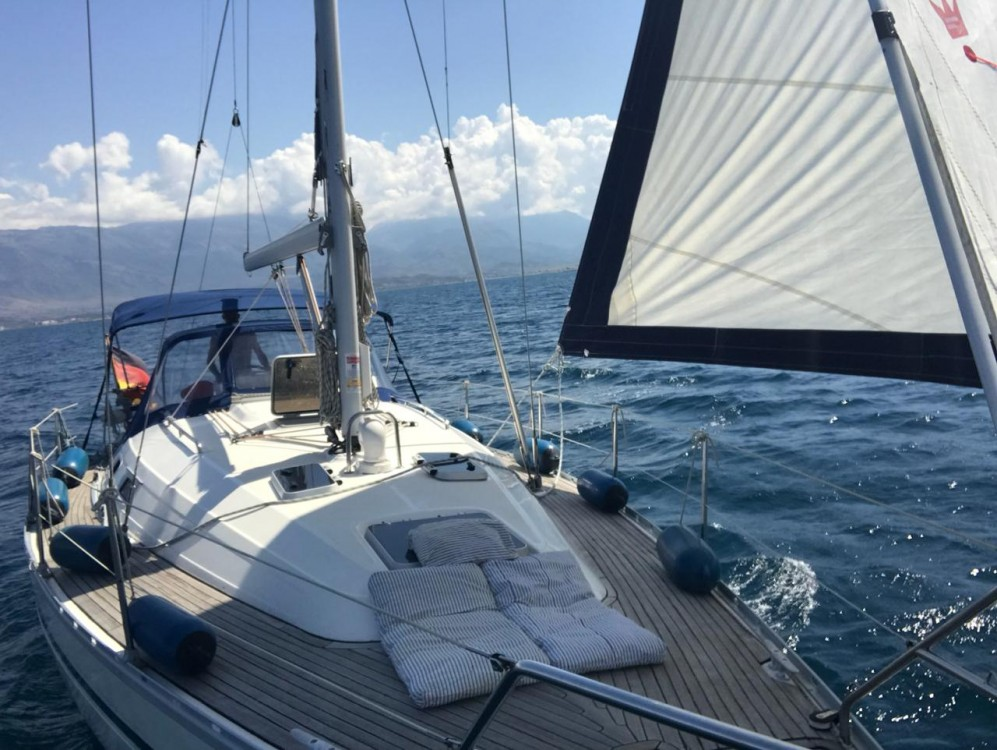 Sailboat for rent Vlora at the best price