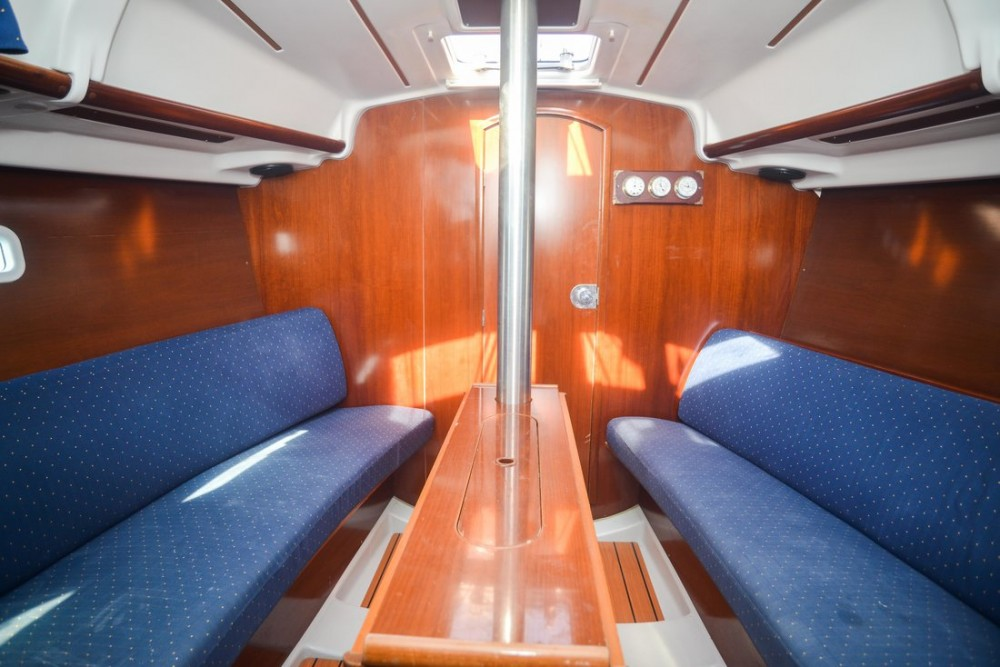 Rental Sailboat in Croatia - Bénéteau Oceanis Clipper 323