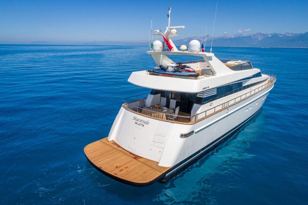Boat rental Cannigione cheap Akhir 85