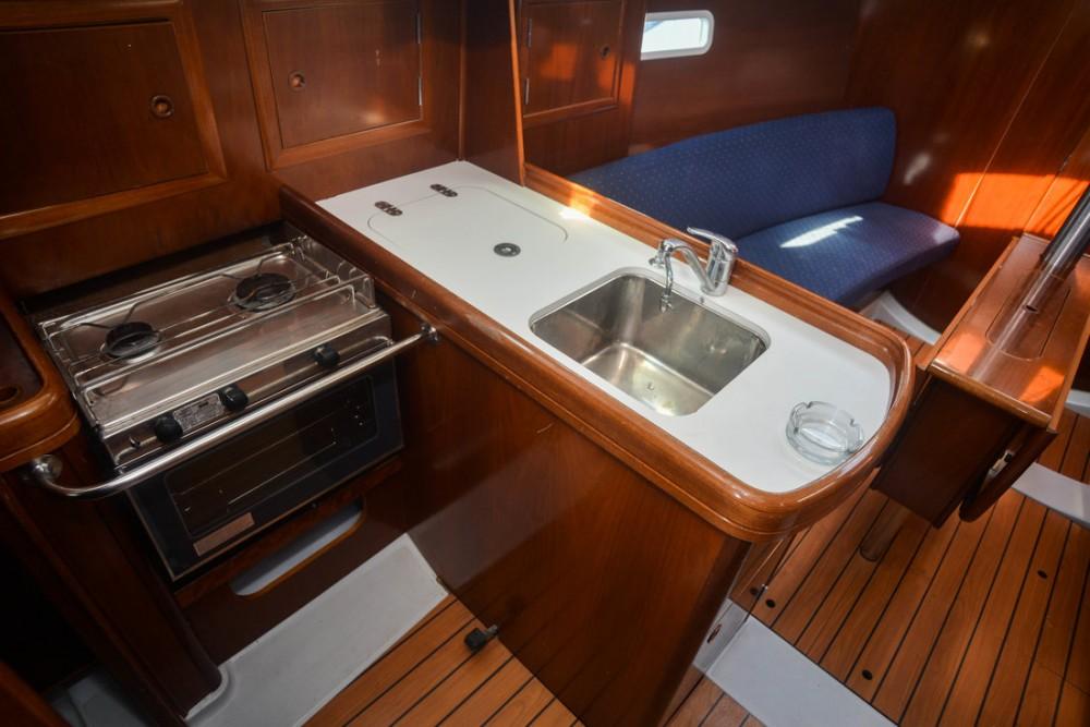 Bénéteau Oceanis Clipper 323 between personal and professional Croatia