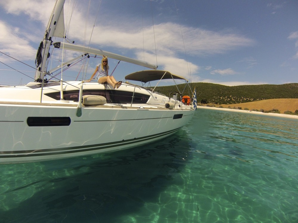 Jeanneau Sun Odyssey 42 DS between personal and professional Lefkada