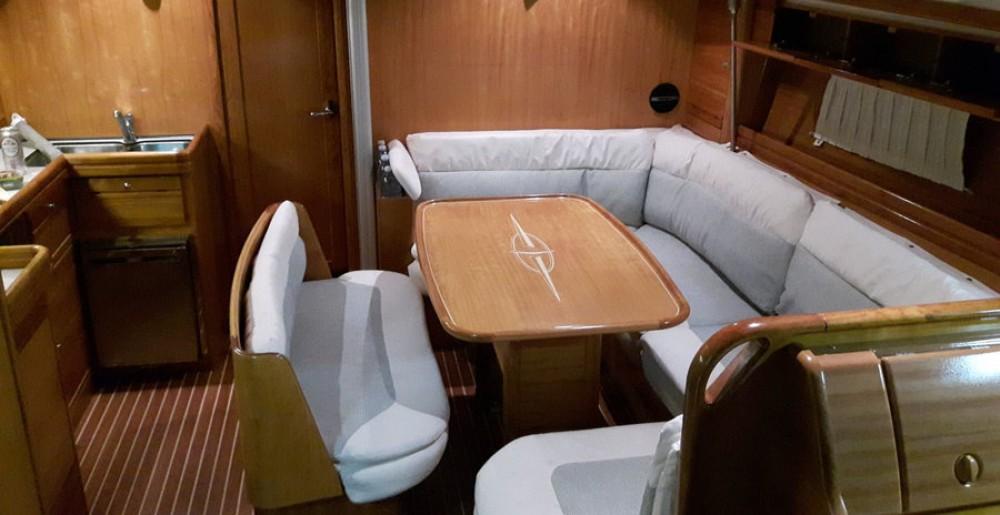 Rent a Bavaria Bavaria 42 Cruiser San Vincenzo