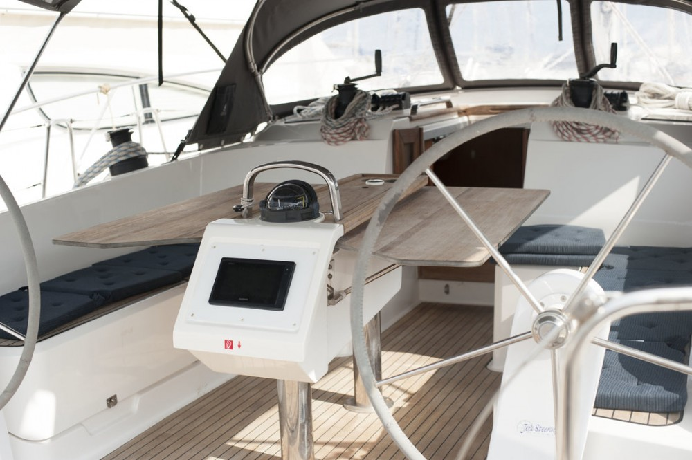 Hire Sailboat with or without skipper Bavaria San Vincenzo