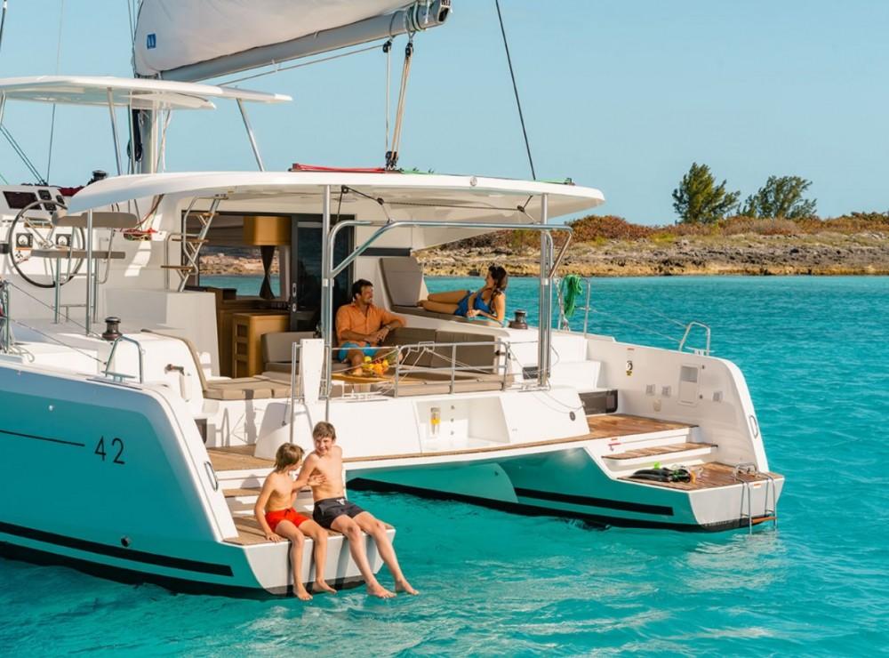 Rental Catamaran in Ionian Islands - Lagoon Lagoon 42 - 4 + 2 cab.