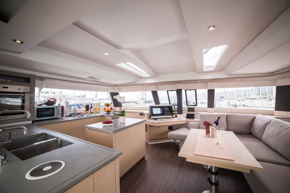 Rental yacht Seget Donji - Fountaine Pajot Fountaine Pajot Saba 50 - 6 + 1 cab. on SamBoat