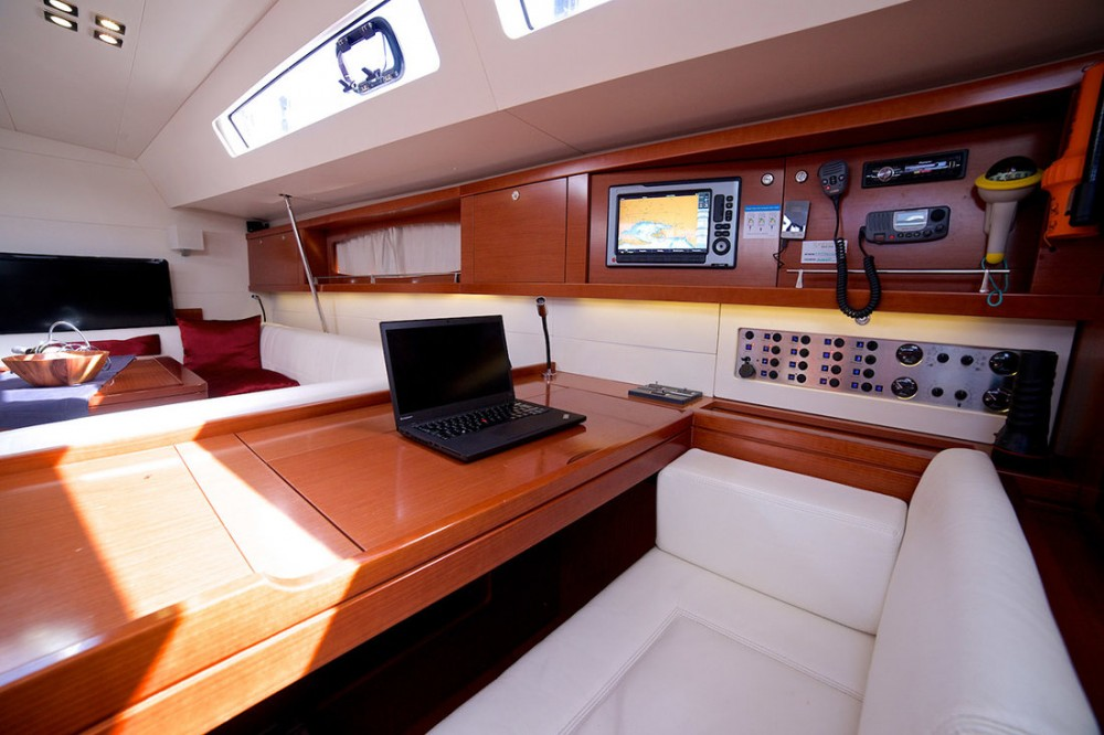 Hire Sailboat with or without skipper Bénéteau Seget Donji