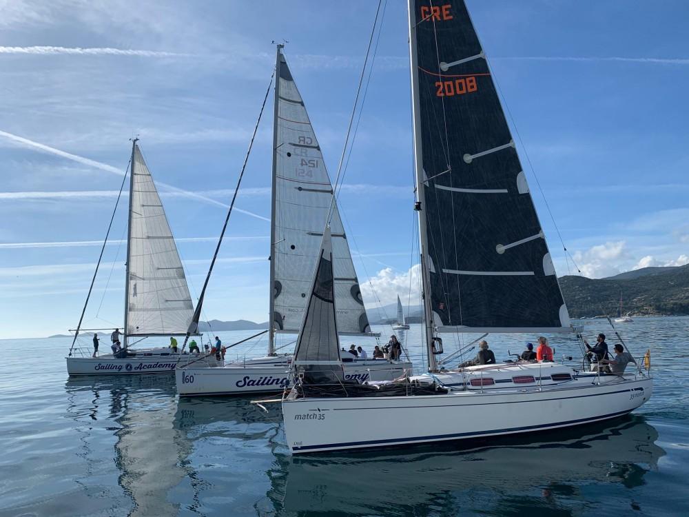 Boat rental Bavaria Bavaria 35 Match in Vólos on Samboat