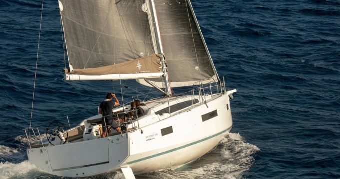 Sailboat for rent Îles Ioniennes at the best price