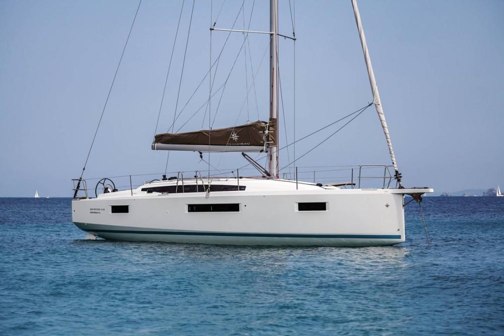 Boat rental Jeanneau Sun Odyssey 410 - 3 cab. in Ionian Islands on Samboat