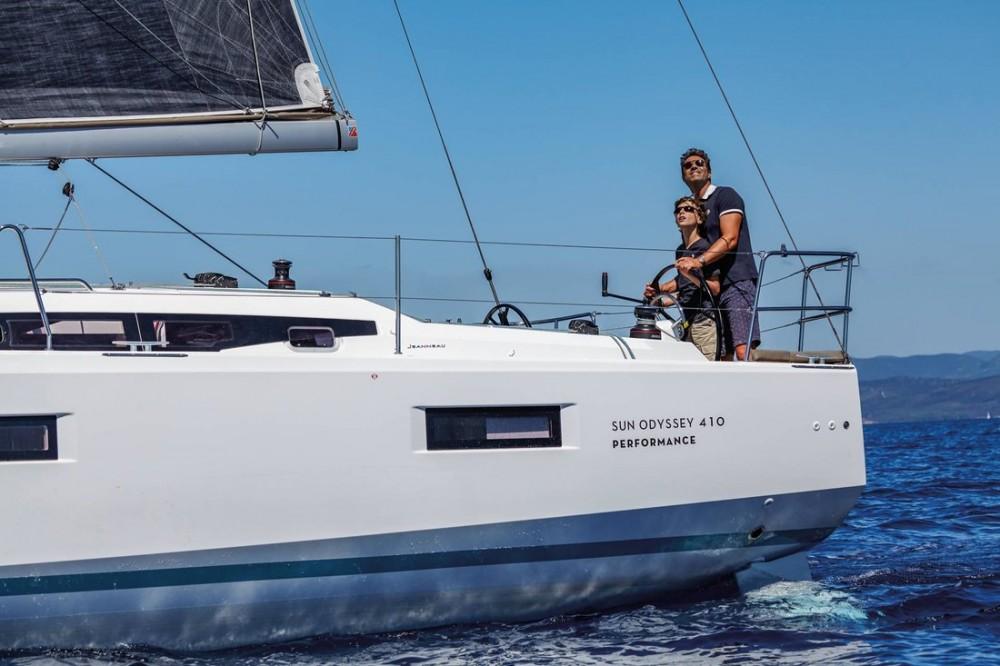 Rental yacht Ionian Islands - Jeanneau Sun Odyssey 410 - 3 cab. on SamBoat