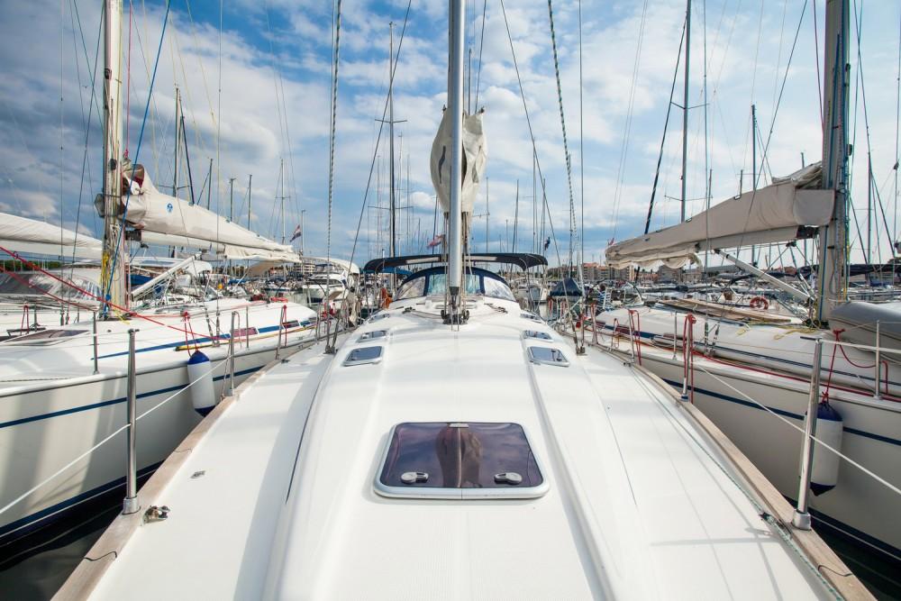 Boat rental Bavaria Bavaria 47 Cruiser in Croatia on Samboat